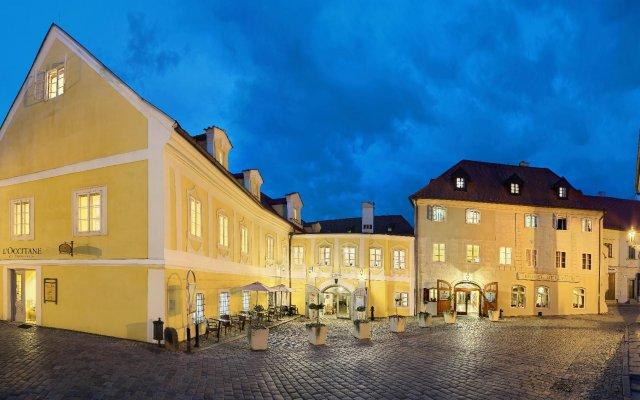 Отель Bellevue (ex.u Mesta Vidne) Чешский Крумлов вид на фасад