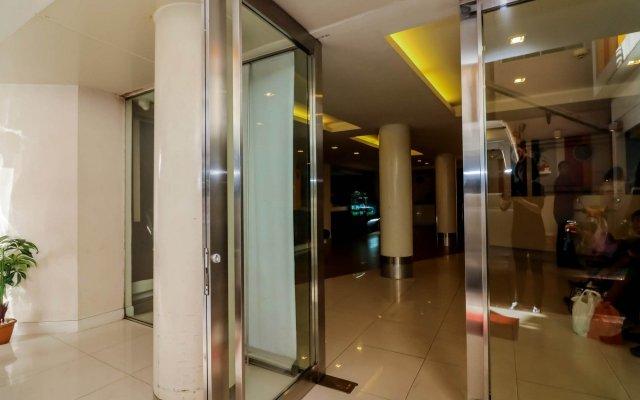 Отель Nida Rooms Phetchaburi 88 Center Point Бангкок вид на фасад