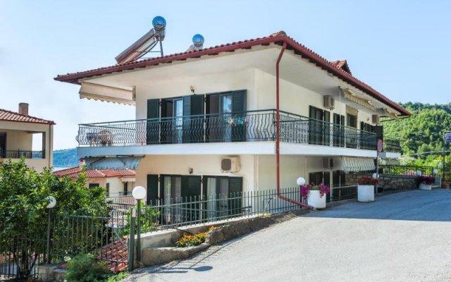 Отель Xenios Hotel Греция, Пефкохори - отзывы, цены и фото номеров - забронировать отель Xenios Hotel онлайн вид на фасад