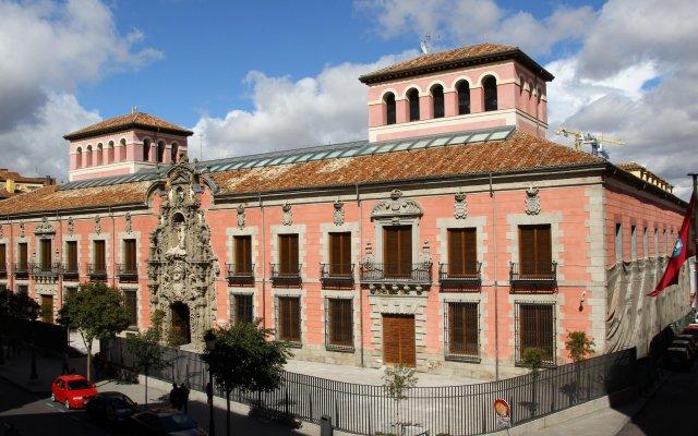 Отель Tribunal вид на фасад