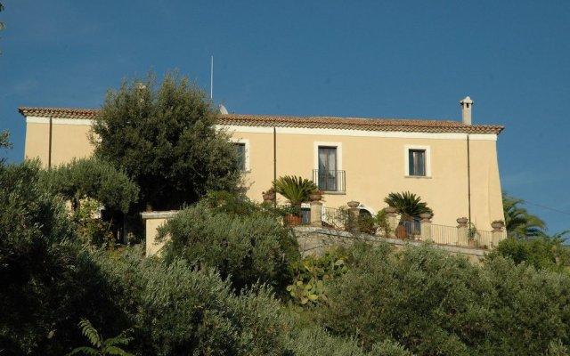 Отель Al Castello Амантея вид на фасад