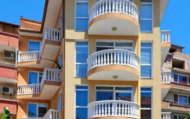 Отель Guest House Nadin Болгария, Поморие - отзывы, цены и фото номеров - забронировать отель Guest House Nadin онлайн вид на фасад