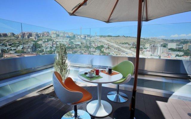 Отель Опера Сьют Армения, Ереван - 4 отзыва об отеле, цены и фото номеров - забронировать отель Опера Сьют онлайн вид на фасад