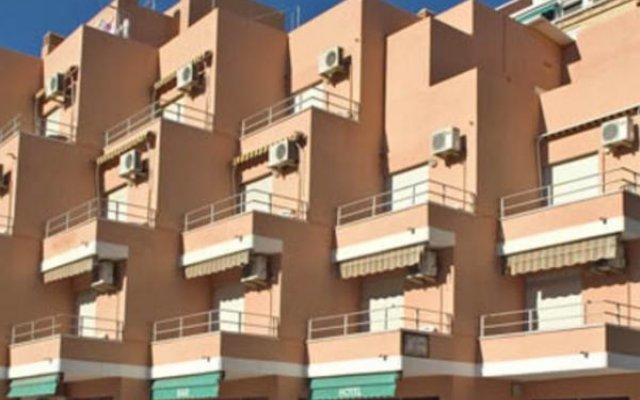 Hotel L'Escala вид на фасад