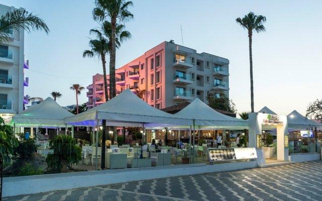 Отель Alva Hotel Apartments Кипр, Протарас - 3 отзыва об отеле, цены и фото номеров - забронировать отель Alva Hotel Apartments онлайн вид на фасад