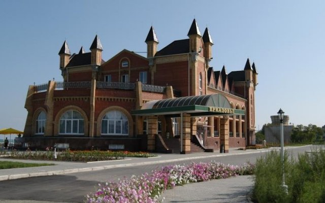Гостиница Приазовье вид на фасад