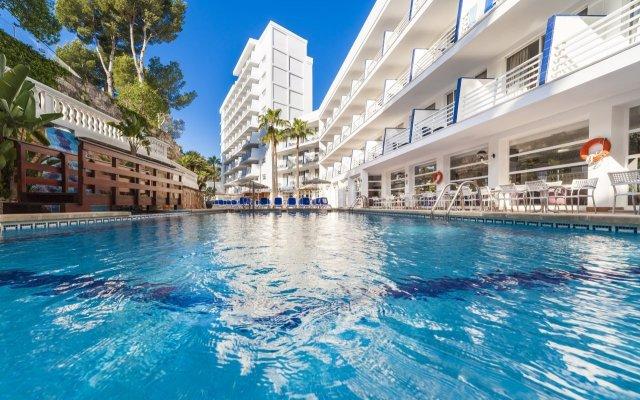 Отель Globales Palmanova Palace бассейн