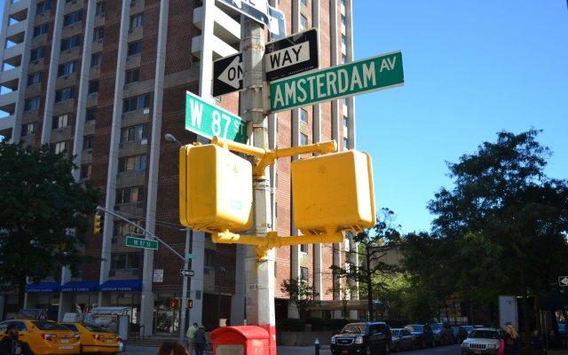 Отель Central Park West Hostel США, Нью-Йорк - 2 отзыва об отеле, цены и фото номеров - забронировать отель Central Park West Hostel онлайн вид на фасад