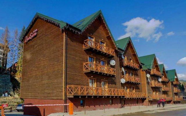 Гостиница ZimaSnow Ski & Spa Club вид на фасад