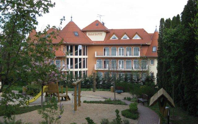 Отель Sante Венгрия, Хевиз - 1 отзыв об отеле, цены и фото номеров - забронировать отель Sante онлайн вид на фасад