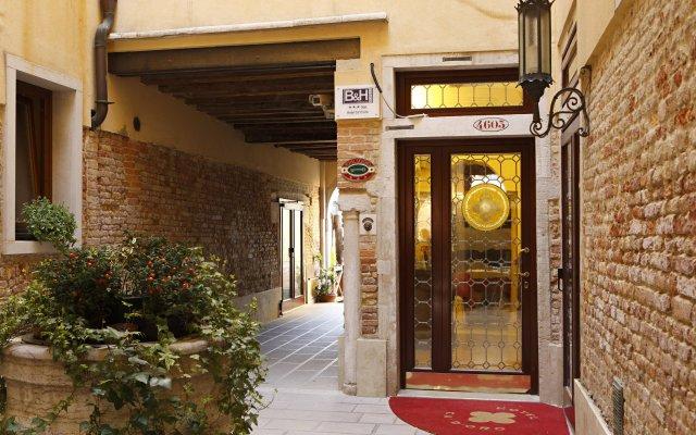 Отель Ca' d'Oro Италия, Венеция - 11 отзывов об отеле, цены и фото номеров - забронировать отель Ca' d'Oro онлайн вид на фасад