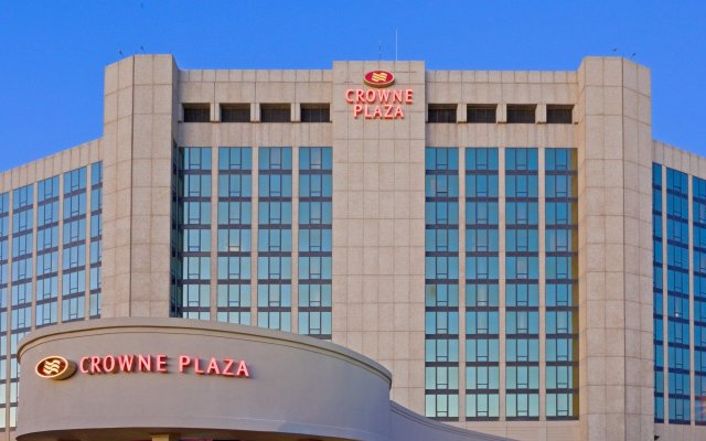 Crowne Plaza Hotel Philadelphia-Cherry Hill вид на фасад