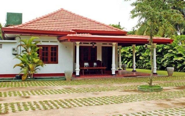 Отель Villa Thotiya вид на фасад