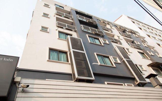 Отель ZEN Rooms Pratunam вид на фасад