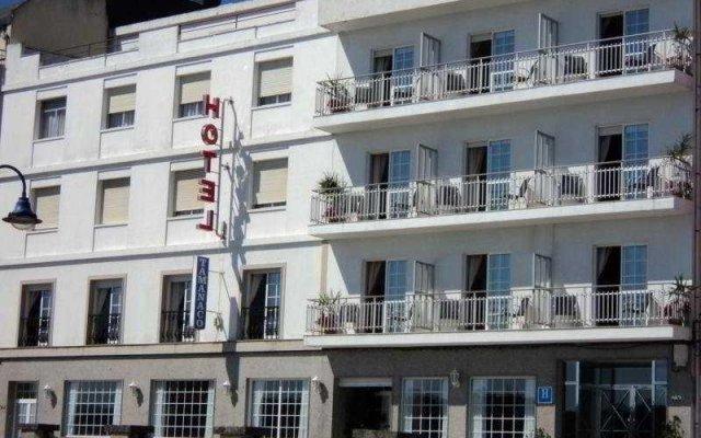 Hotel Via Norte Эль-Грове вид на фасад