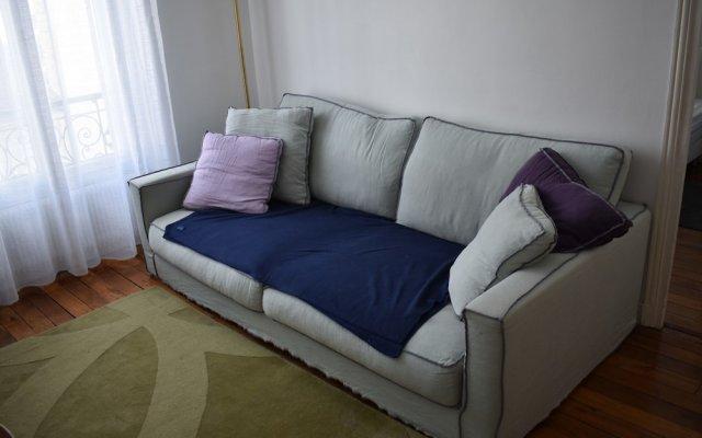 Апартаменты Large 1 Bedroom Apartment in Paris комната для гостей