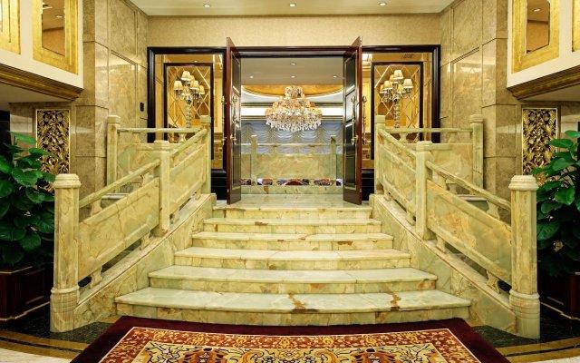 Royal Mediterranean Hotel вид на фасад
