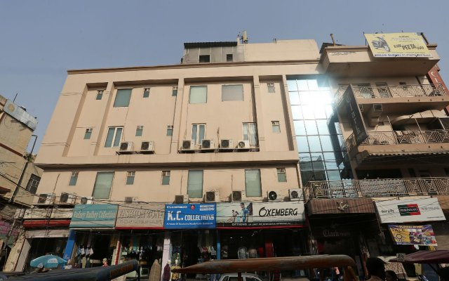 Отель OYO 9761 Hotel Clark Heights Индия, Нью-Дели - отзывы, цены и фото номеров - забронировать отель OYO 9761 Hotel Clark Heights онлайн вид на фасад