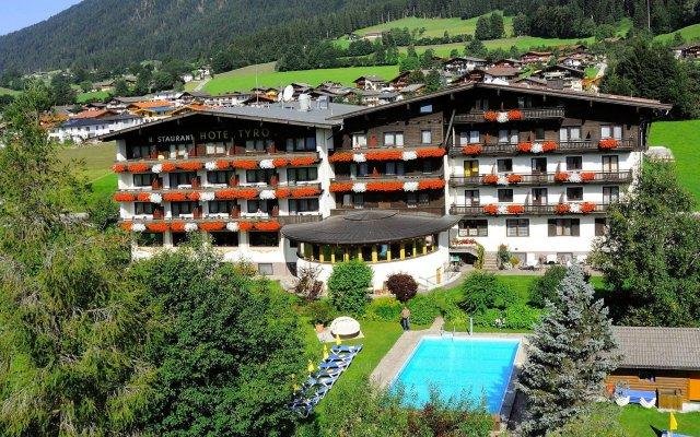 Отель Tyrol Австрия, Зёлль - отзывы, цены и фото номеров - забронировать отель Tyrol онлайн вид на фасад