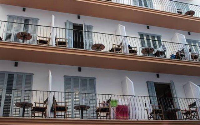 Отель Hostal Las Nieves вид на фасад