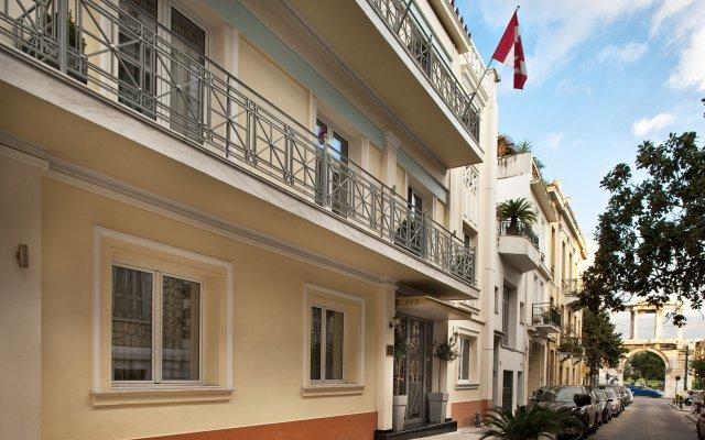 AVA Hotel & Suites вид на фасад