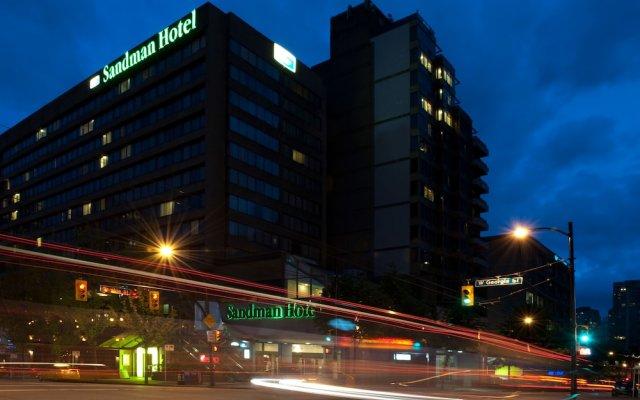 Отель Sandman Hotel Vancouver City Centre Канада, Ванкувер - отзывы, цены и фото номеров - забронировать отель Sandman Hotel Vancouver City Centre онлайн вид на фасад