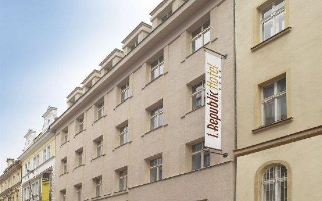 Отель 1. Republic Прага вид на фасад