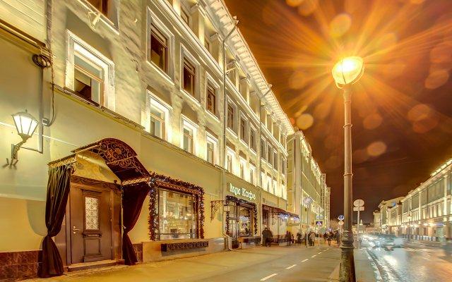 Гостиница Статус вид на фасад