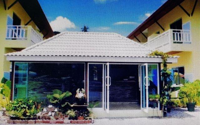 Отель Baan Chaylay Karon вид на фасад