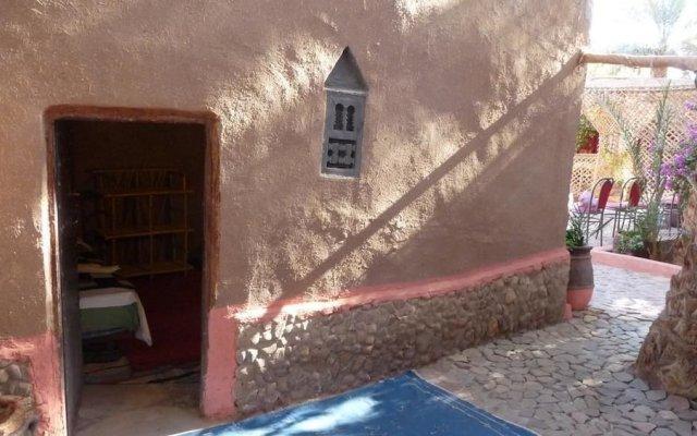 Отель Prends Ton Temps Марокко, Загора - отзывы, цены и фото номеров - забронировать отель Prends Ton Temps онлайн вид на фасад