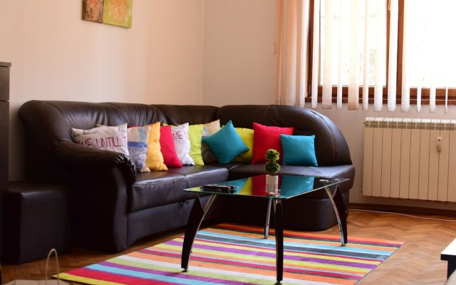 Отель BUZ Apart Sofia Болгария, София - отзывы, цены и фото номеров - забронировать отель BUZ Apart Sofia онлайн комната для гостей