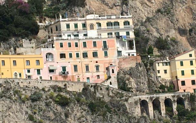 Отель Amalfi Design Италия, Амальфи - отзывы, цены и фото номеров - забронировать отель Amalfi Design онлайн вид на фасад