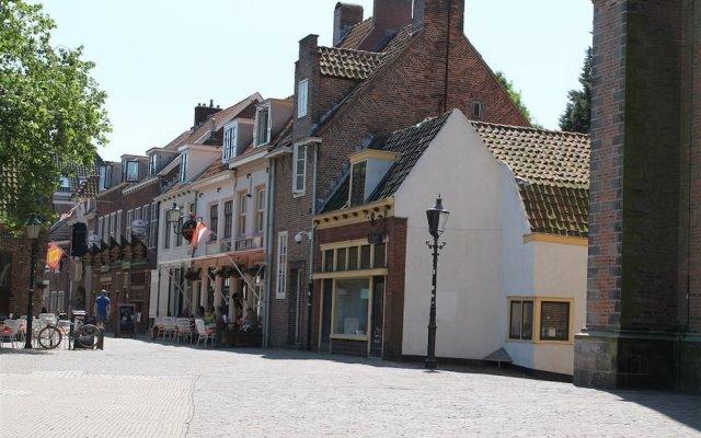Lange Jan Hotel вид на фасад