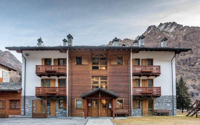 Hotel Lo Scoiattolo вид на фасад