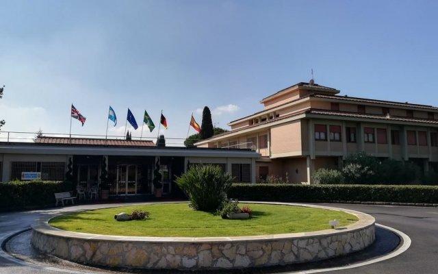 Park Hotel Aurelia Roma вид на фасад