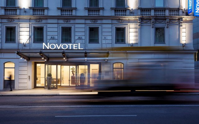 Отель Novotel Wien City вид на фасад