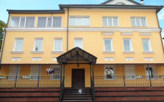 Гостевой Дом Гостиный Дворик Ярославль вид на фасад