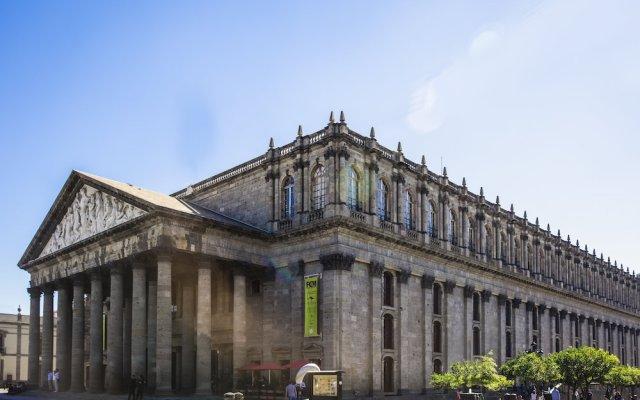 Отель Gamma Guadalajara Centro Historico Гвадалахара вид на фасад