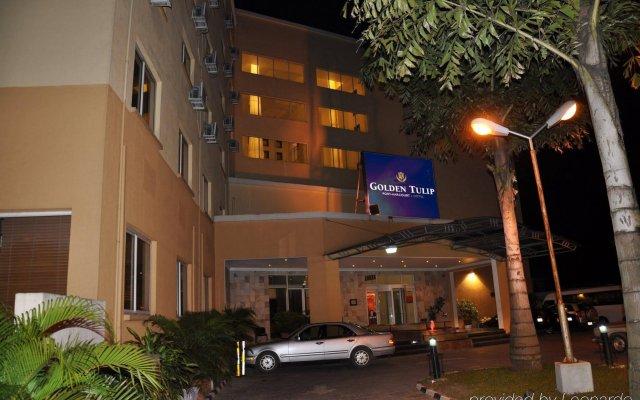 Отель Golden Tulip Port Harcourt вид на фасад