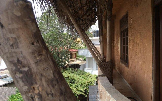 Отель The Saffron вид на фасад
