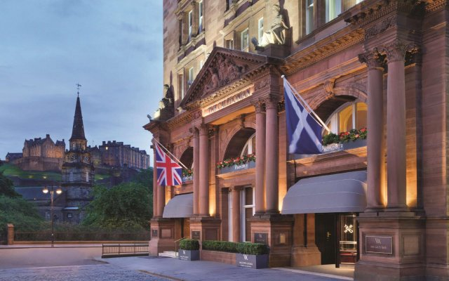 Отель Waldorf Astoria Edinburgh - The Caledonian вид на фасад