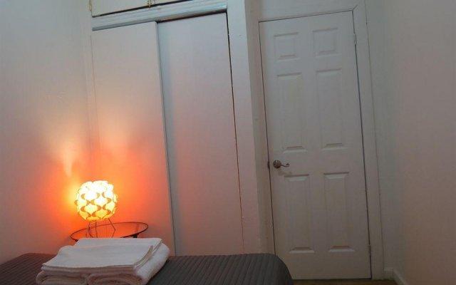 Отель Uptown Broadway Deluxe комната для гостей