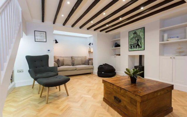 Luxury 3 Bed Town House in Angel