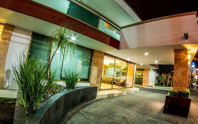Отель Estancia Мексика, Гвадалахара - отзывы, цены и фото номеров - забронировать отель Estancia онлайн вид на фасад