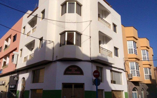 Отель Hostal Tamonante Испания, Гран-Тараял - отзывы, цены и фото номеров - забронировать отель Hostal Tamonante онлайн вид на фасад