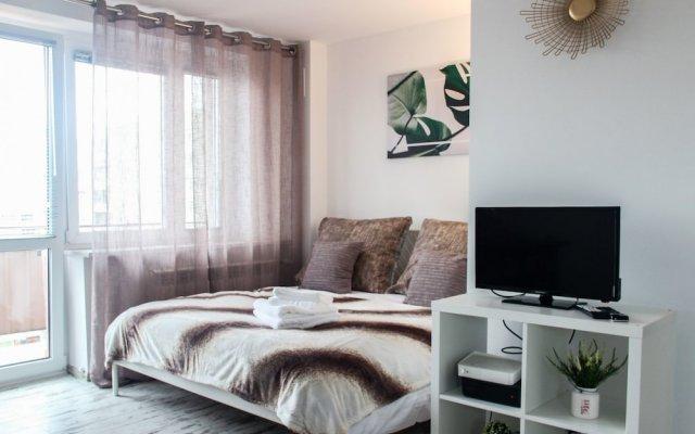 Отель Sunny City Center Apartment Польша, Варшава - отзывы, цены и фото номеров - забронировать отель Sunny City Center Apartment онлайн комната для гостей