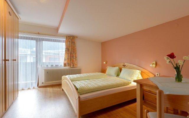 Отель Gästehaus Sillaber-Gertraud Nuck Австрия, Зёлль - отзывы, цены и фото номеров - забронировать отель Gästehaus Sillaber-Gertraud Nuck онлайн комната для гостей