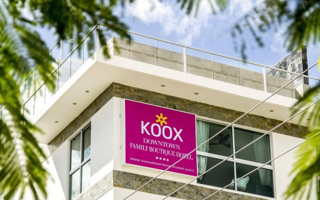 Koox Downtown Family Boutique Hotel вид на фасад