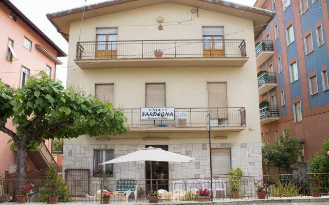 Отель Villa Sardegna Фьюджи вид на фасад