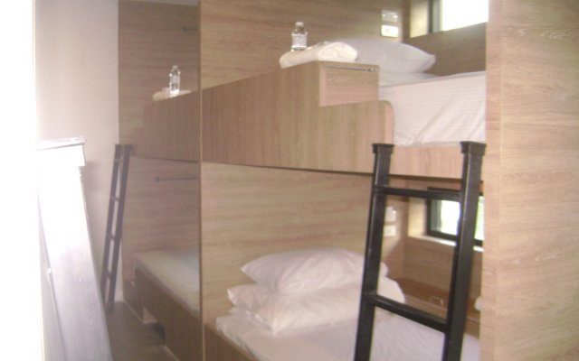 Rezt Bangkok - Hostel